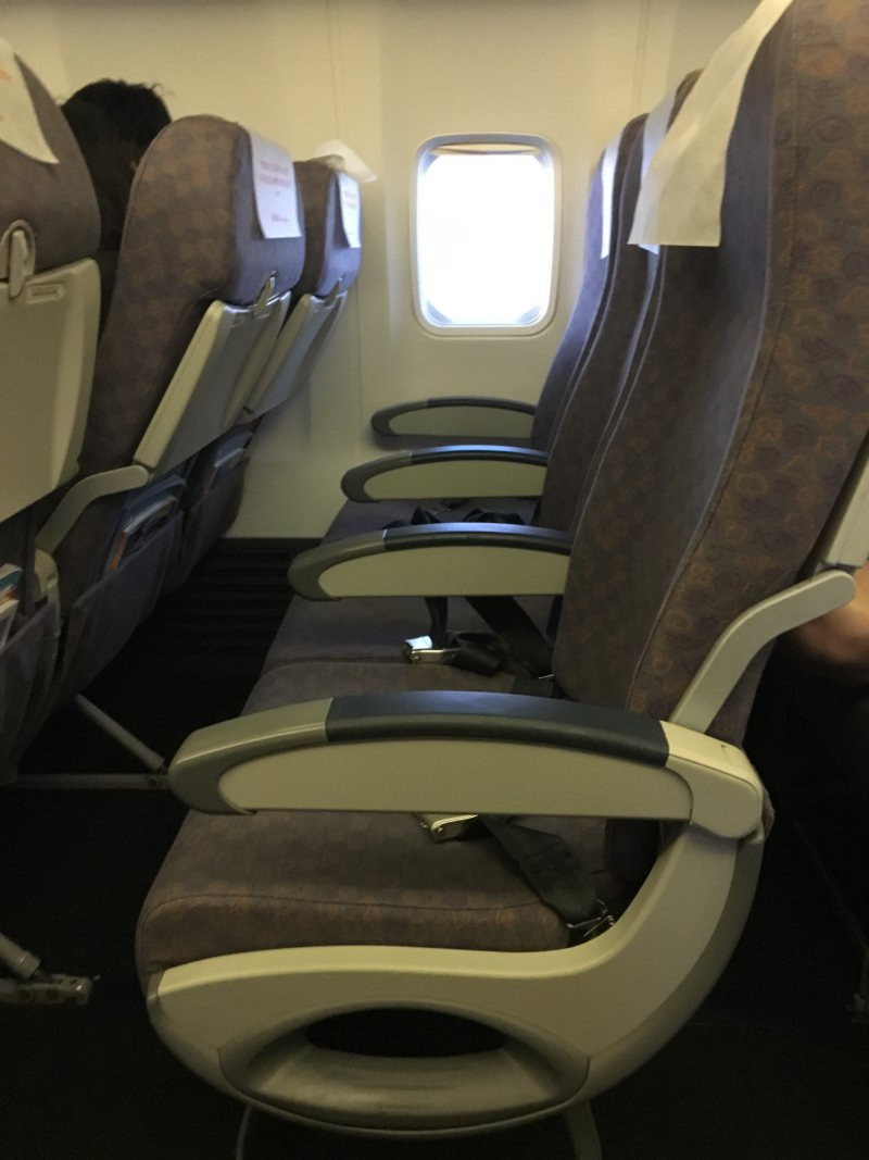 飛行機内は暇