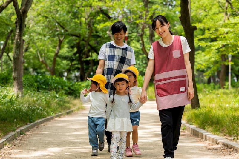 保育教諭の勤務時間や給料 認定こども園の特徴